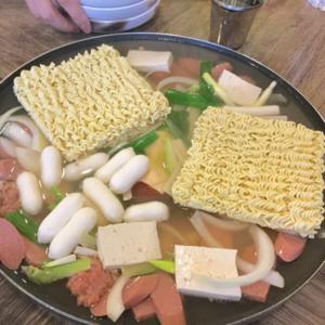 【画像】明洞でラーメンが食べたくなったら【ノルブプデチゲ】