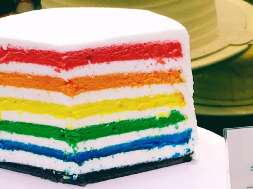 レインボーケーキ「DOREDORE」が仁川国際空港にある